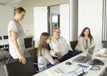 Weg von der Zettelwirtschaft – Transparente Kommunikation bei Rhein-West Logistik
