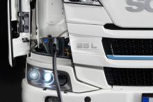 Scania%20BEV_Ladung_Telematik-Markt_web Förderungen für Elektro-Lkw: Scania bietet ganzheitliche Betreuung bei der Investition